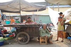 Market traders on Ben Van Don Street